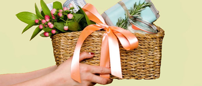 Mothers day gift basketsgift baskets for mothermothers day gift it would not be a nice idea to gift her a chocolate mother day gift hamper when she is not very much fond of chocolates remember the gift is meant for your negle Gallery